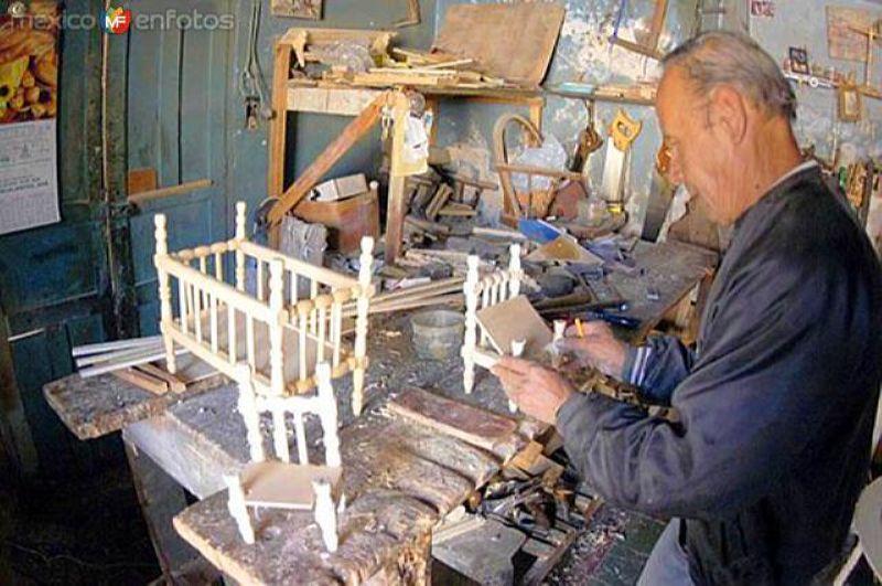 Don Luis, artesano carpintero