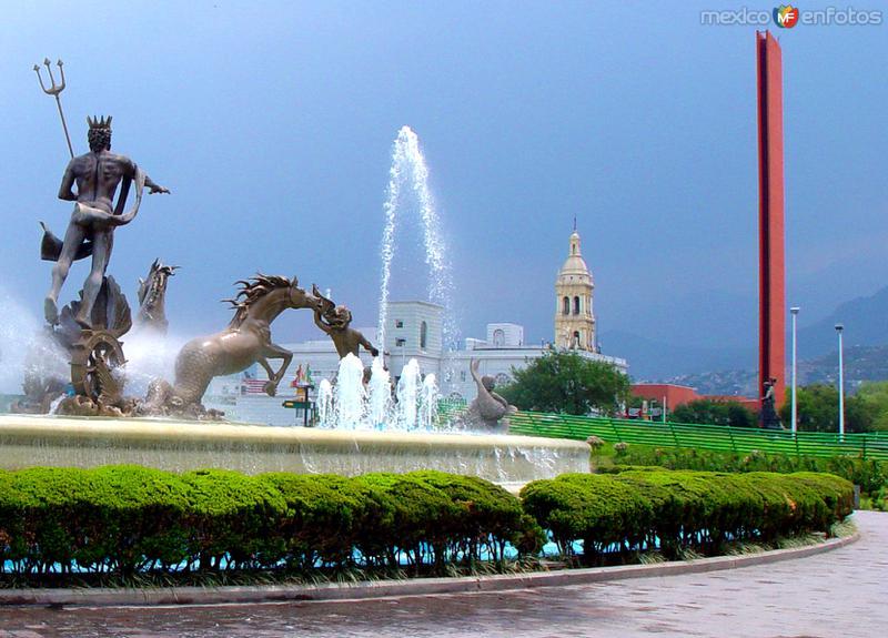 Fotos de Monterrey, Nuevo Le�n, M�xico: Macroplaza