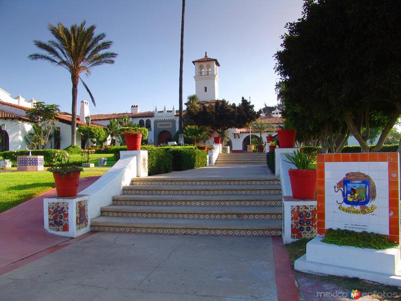 Entrada al Centro Cívico Riviera