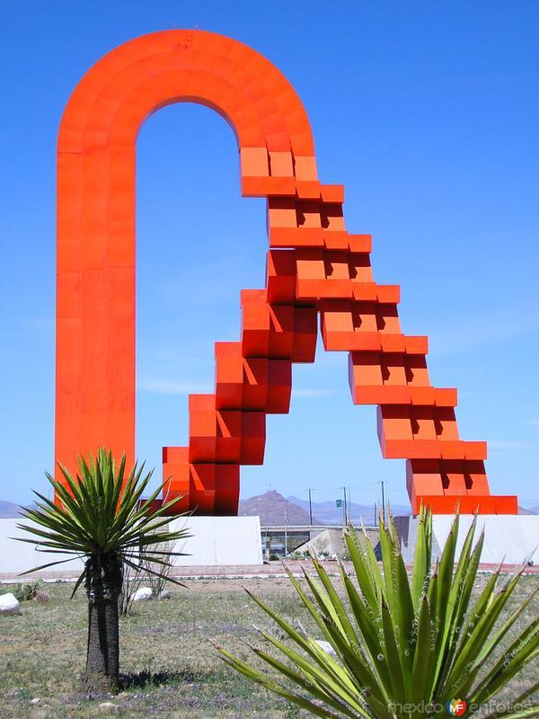 Fotos de Chihuahua, Chihuahua, M�xico: La Puerta de Chihuahua