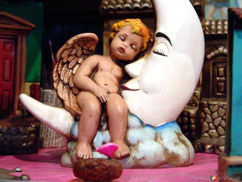 Ángel y luna