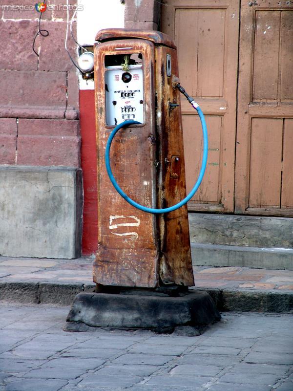 Bomba de gasolina antigua