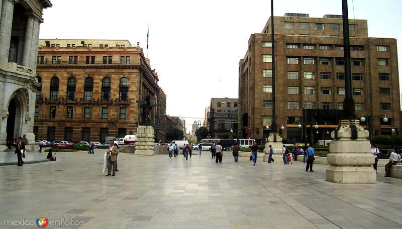 Explanada del Palacio de Bellas Artes
