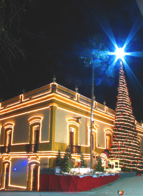 Fotos de Santiago, Nuevo Le�n, M�xico: Presidencia Municipal