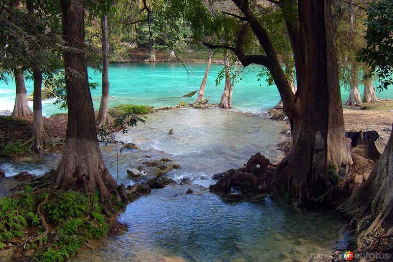 Río El Naranjo y Playa Bruja
