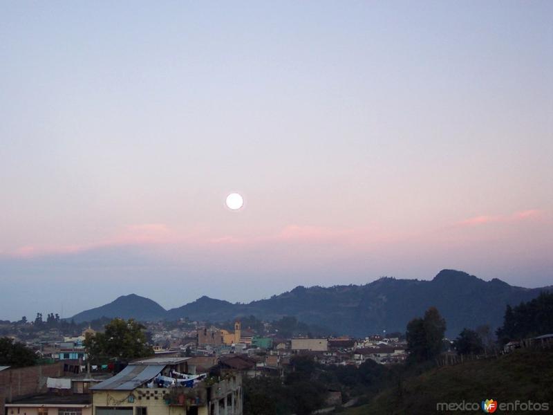 Panoramica con Luna