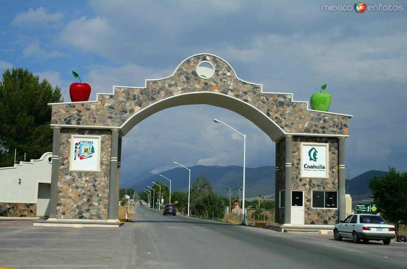 Fotos de Arteaga, Coahuila, M�xico: ENTRADA A SAN ANTONIO DE LAS ALAZANAS