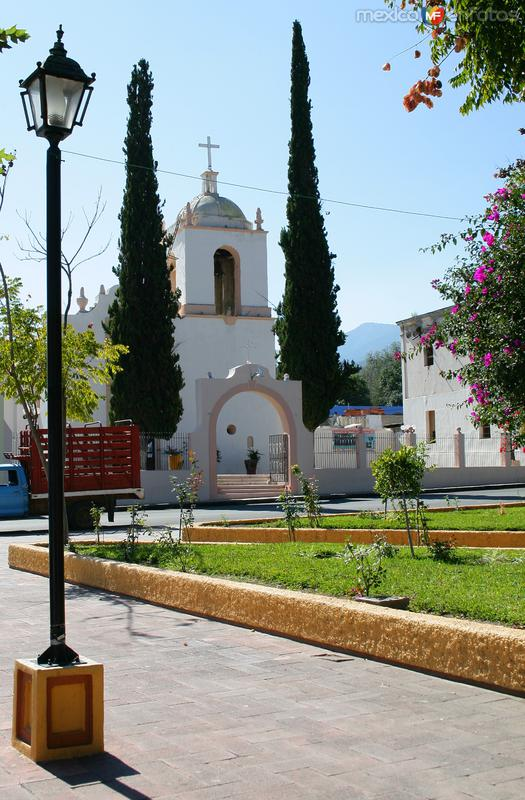 Fotos de Aramberri, Nuevo Le�n, M�xico: IGLESIA SANTA MARIA DE LOS ANGELES