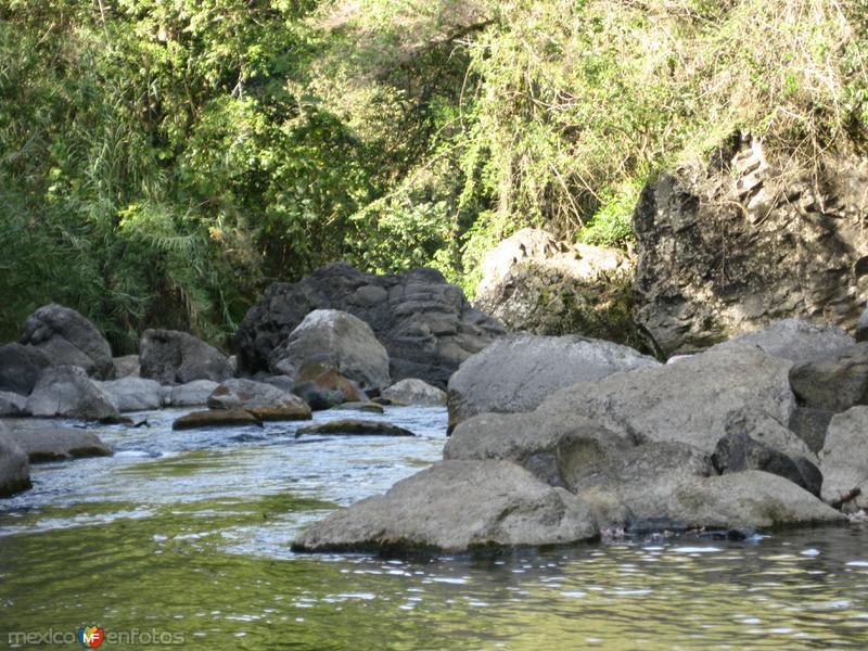 corriente del rio en tamasopo