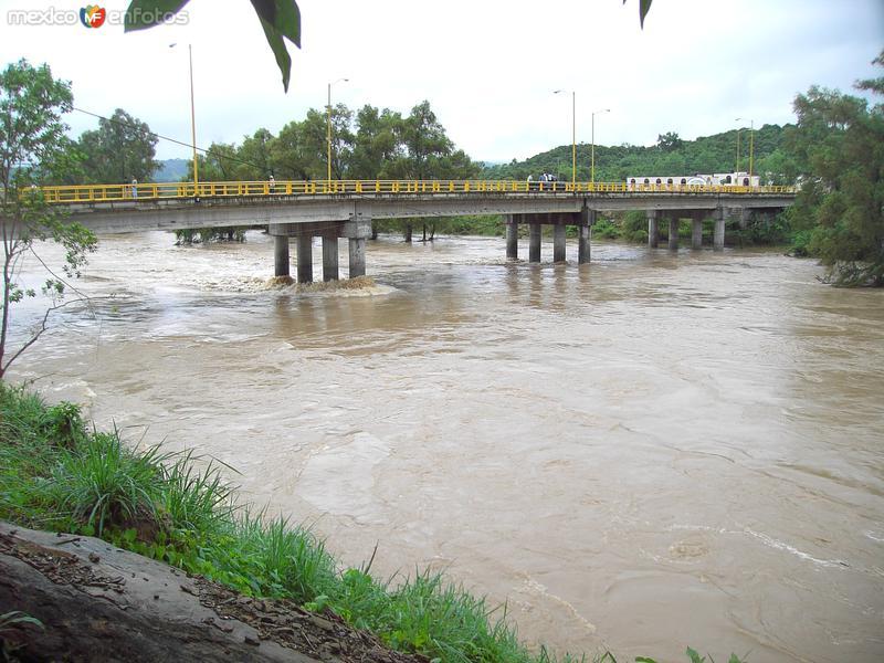 Puente a Ahuacatitla-Temalacaco, Mpio.de Axtla