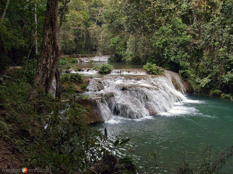 Fotos de Bah�as de Huatulco, Oaxaca, M�xico: cascadas de copalita
