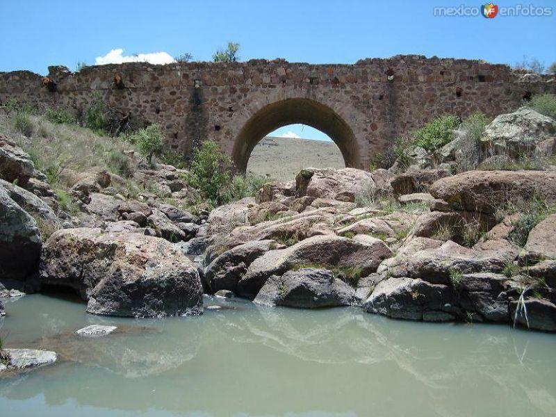 Salvando al puente del viejo camino real