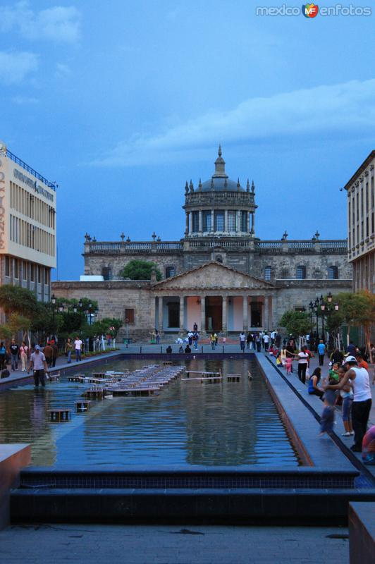 Plaza Tapatía, Hospicio Cabañas