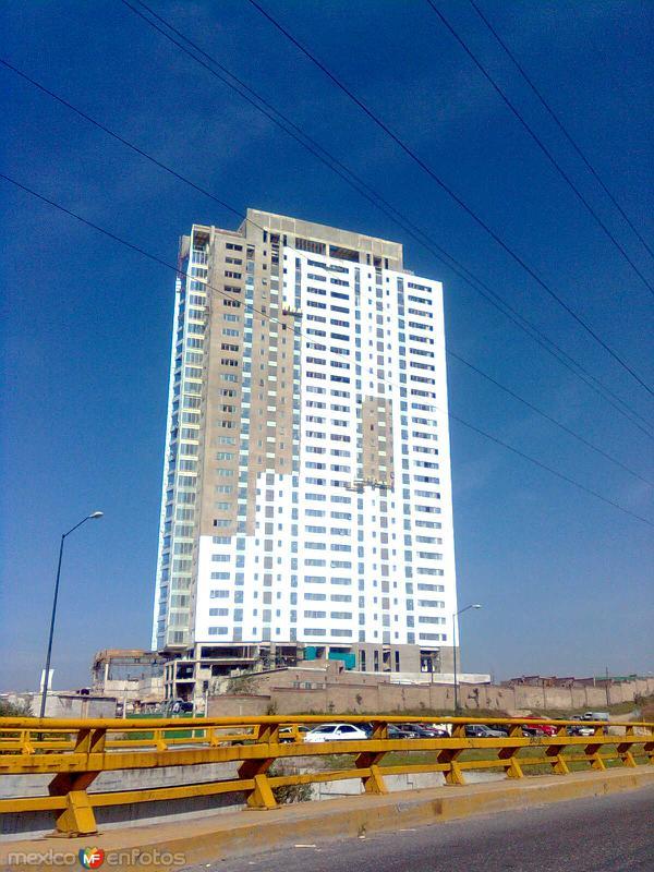 Edificio en Vía Atlixcáyotl