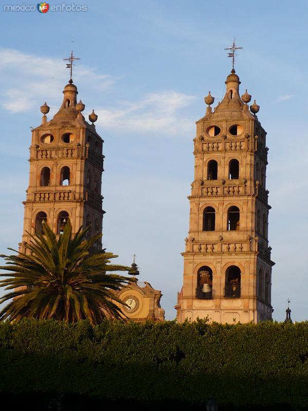 Fotos de Salvatierra, Guanajuato, México: El ocaso, sobre el Santuario de Ntra. Sra. de la Luz