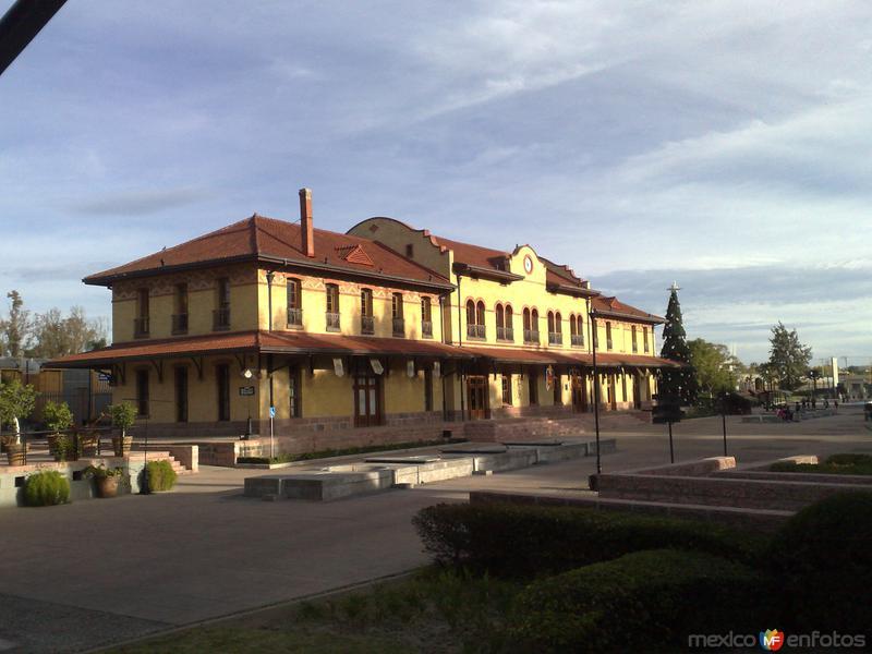 Fotos de Aguascalientes, Aguascalientes, M�xico: Plaza Tres Centurias