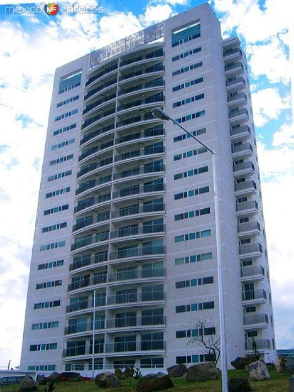 torre claude monet de 72 metros