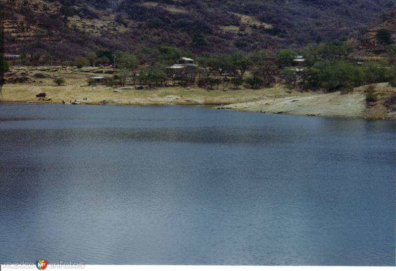 Fotos de Atopula, Guerrero, M�xico: Comunidad y presa de Atopula, Guerrero