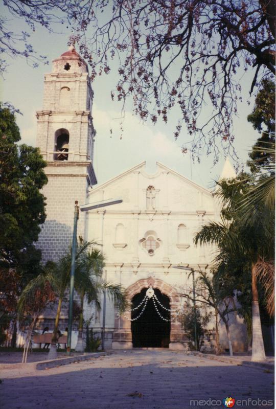 Portada del templo de Coxcatlán, Puebla