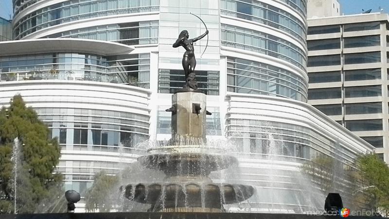 Algunos monumentos de paseo de la reforma