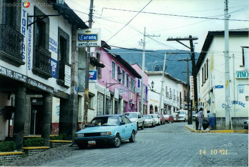 Típica calle del centro del pueblo minero de El Oro de Hidalgo, Edo. de México