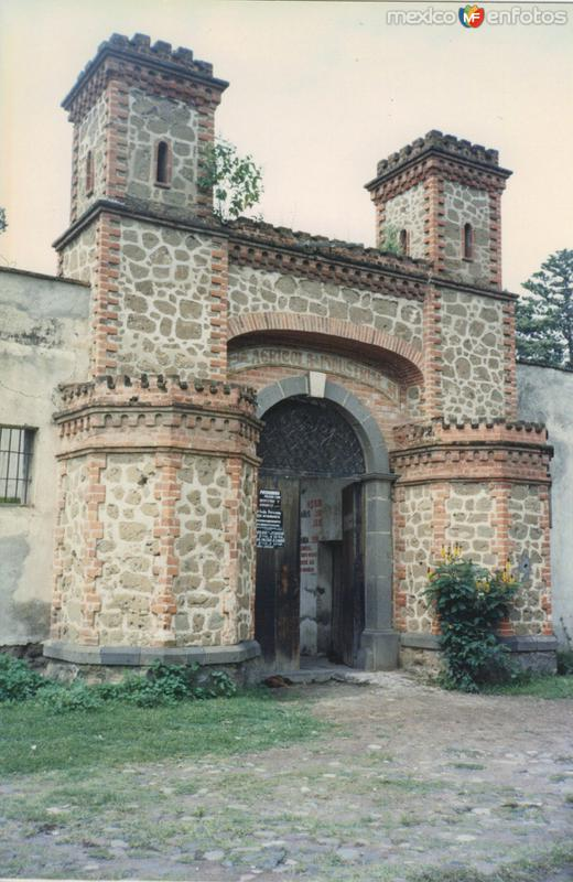 Entrada a la Ex-hacienda de Chautla del siglo XIX. Edo. de Puebla