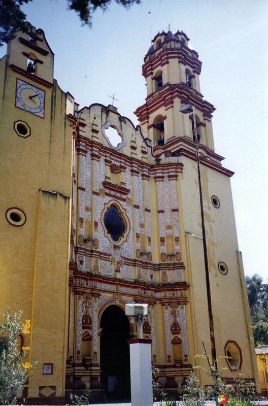 Portada del ex-convento de San Juán Bautista, siglo XVI. Metepec, Edo. de México