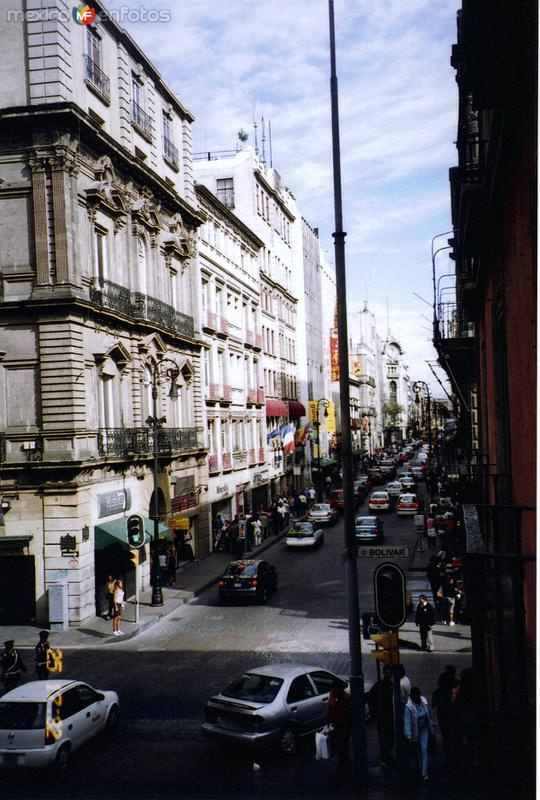 Av. Francisco I. Madero y Calle Simón Bolívar. Centro Histórico. México, DF