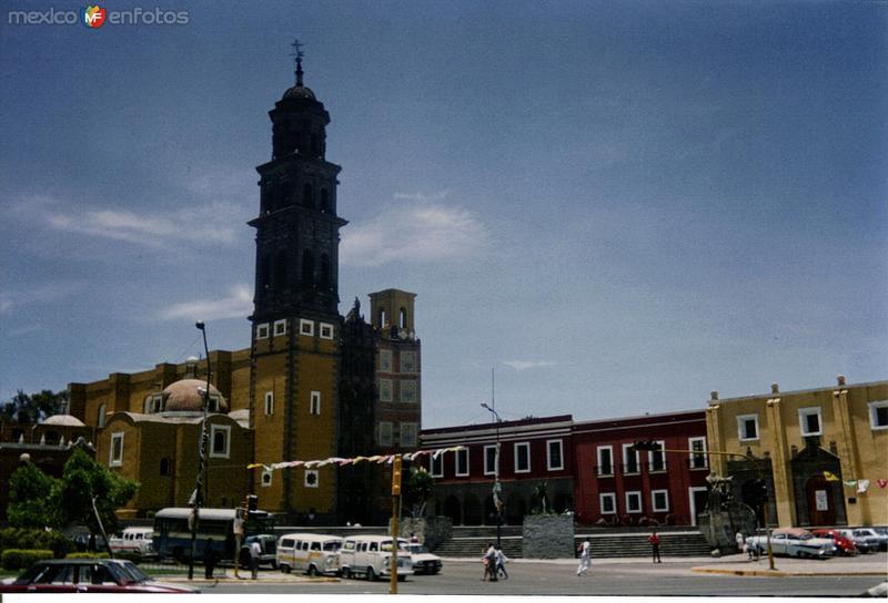 Templo de San Francisco Aparicio y Av. 14 Oriente. Barrio El Alto. Puebla, Puebla