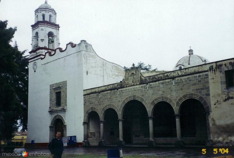 Templo y capilla abierta del ex-convento de San Miguel, siglo XVI. Zinacantepec, Edo. de México