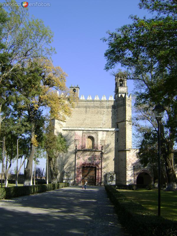 Fachada del ex-convento del siglo XVI. Huejotzingo, Puebla