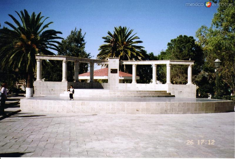 Parque central y kiosco de Real de Asientos, Aguascalientes. 2007