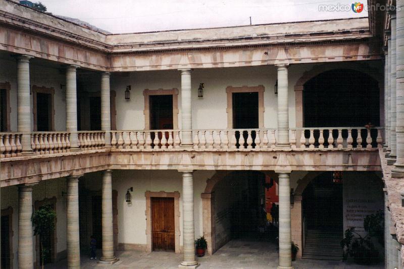 Interior de la Alhóndiga de Granaditas, siglo XVIII. Guanajuato, Gto. 2003