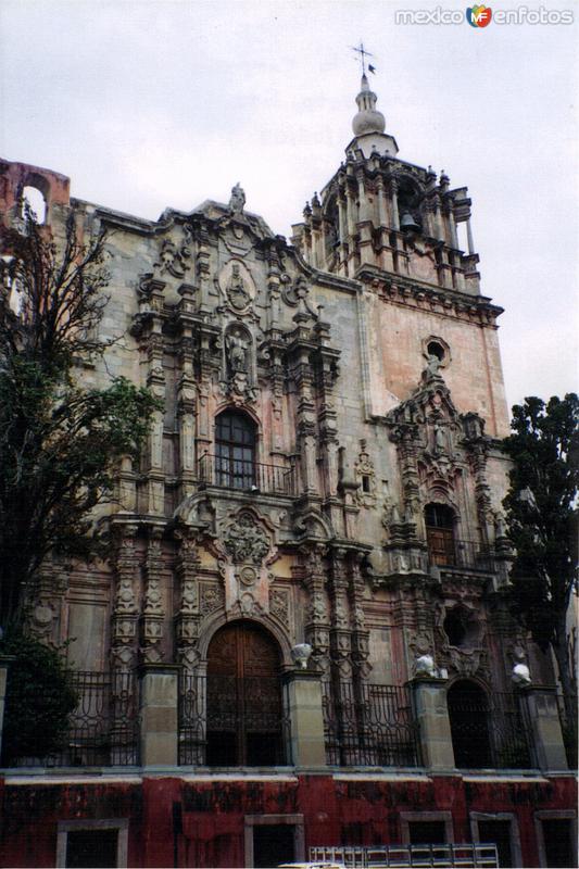 Templo de la Compañía de Jesús, estilo barroco churrigueresco. Guanajuato, Gto. 2003