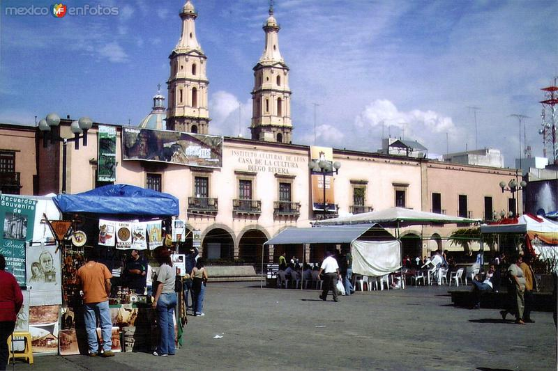 Casa de la cultura Diego Rivera. León. 2003