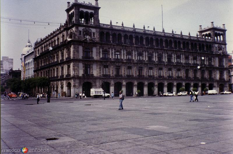 Edificio del Departamento del Distrito Federal. Del. Cuauhtémoc, DF. 2000