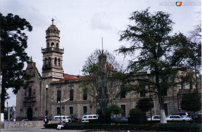 Santuario de Guadalupe (Siglo XVIII). Morelia, Michoacán. 2004