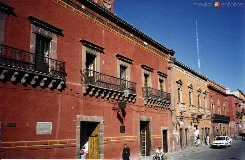 Fotos de San Miguel de Allende, Guanajuato, M�xico: Casas coloniales en el centro de San Miguel de Allende, Gto. 2001