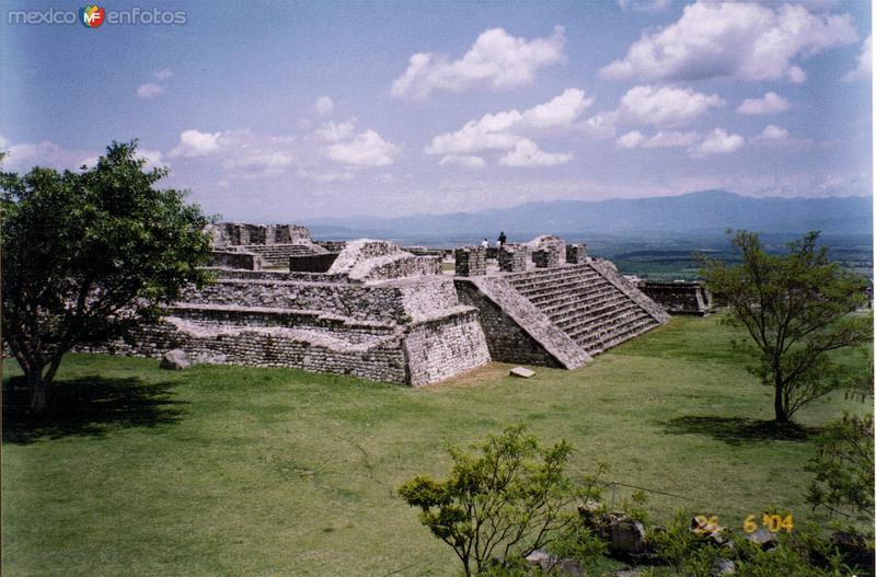 Pirámide de Xochicalco. Junio/2004