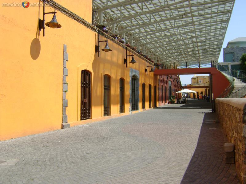 Area comercial del Pseo de San Francisco. Puebla. Abril/2011