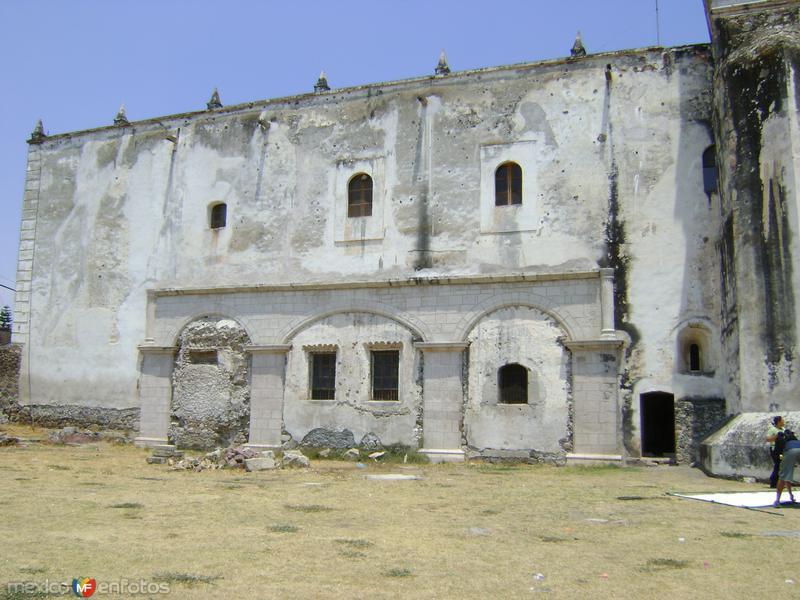 Arcos de la capilla abierta. Ex-convento de Jonacatepec. Abril/2011
