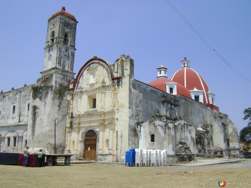 Fachada del ex-convento de Jonacatepec (Siglo XVI). Enero/2011