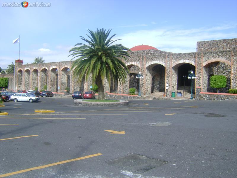 Ex-hacienda Juriquilla desde el estacionamiento del Hotel. Octubre/2011