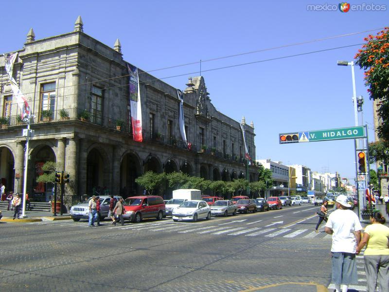El Palacio Municipal y la Av. Alcalde. Noviembre/2011