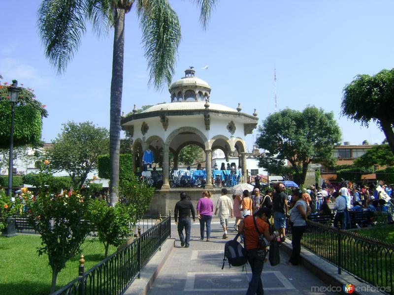 Zócalo y kiosco de Tlaquepaque, Jalisco. Octubre/2011