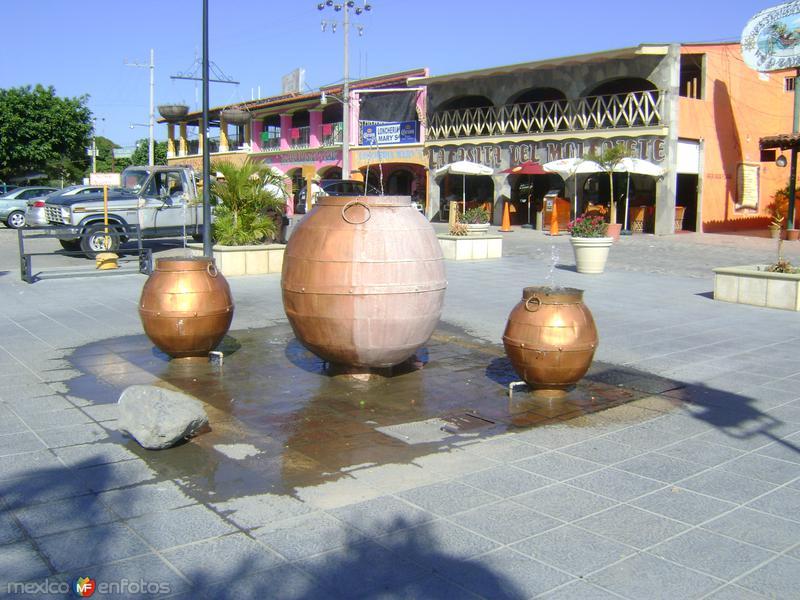 Original fuente en el malecón de Chapala, Jalisco. Noviembre/2011