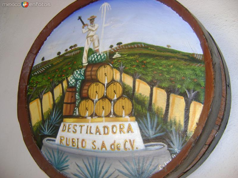Pintura en un barril de roble. Tequila, Jalisco. Noviembre/2011