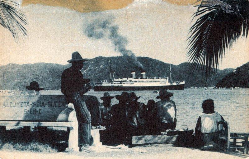 Fotos de Acapulco, Guerrero, M�xico: Entrada al puerto de un buque proveniente del Canal de Panam�