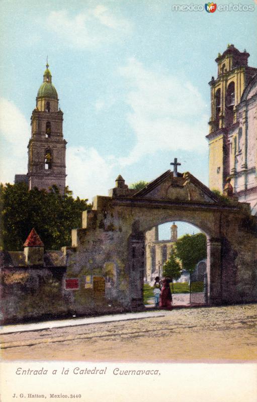 Entrada a la Catedral de Cuernavaca