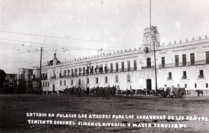 Ceremonia luctuosa en el Palacio Nacional